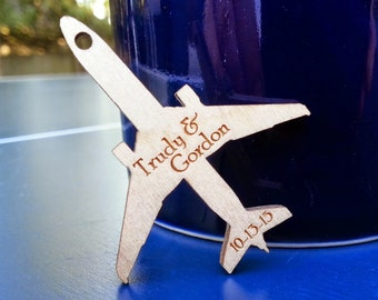 Little wood engraved airplanes - quantity 50
