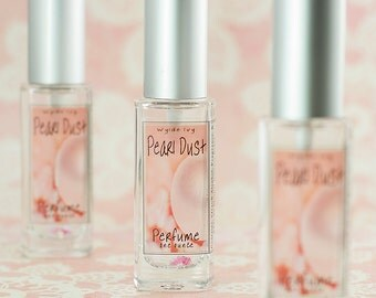 Pearl Dust Perfume Notes of Guava, Fig, Cocoa Butter, Heliotrope, Mandarin, and Musk