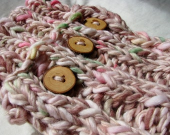 WINTER OFFER - Peaches and Cream Hand Knitted Soft Warm Wool Cowl