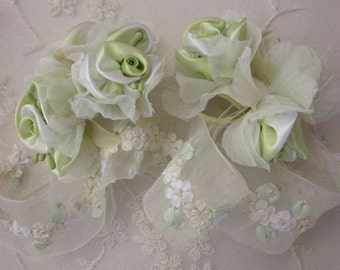 36pc Chic LIME GREEN WHITE Satin Organza Ribbon Wired Rose Peony Flower Reborn Doll Bridal Wedding Bow Hair Accessory Applique