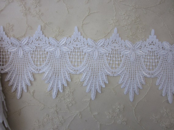 4.5 inch Heirloom Shabby Chic White Venise Leaf Lace for Quilt Jewelry Bridal Costume Clothing Couture Designs