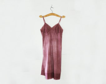 vintage 70s Vanity Fair Upcycled Hand Dyed Lilac Purple Full Slip Dress Size 36 M L