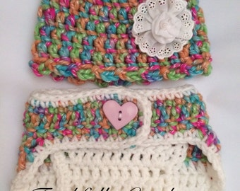 Newborn Hat with matching Diaper Cover... Photography Prop... Ready to ship