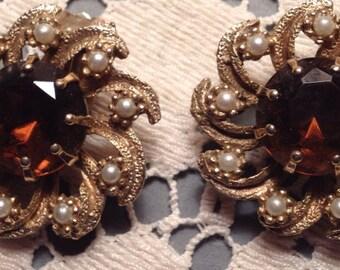 Vintage 50s Rhinestone & Pearl Clip on Earrings