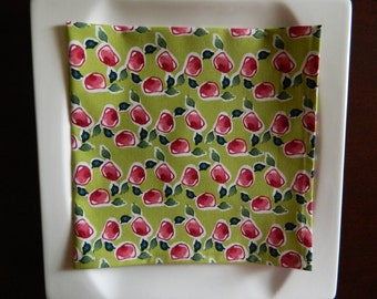Contemporary Dinner Napkins. Set of 4. Rosebuds on Green. Modern Cotton Napkins. Great Hostess Gift