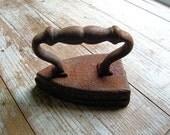 Antique Cast Iron Flat Iron.  Clothes Iron. Seneca Falls NY. Wing Co. No. 7 Iron.