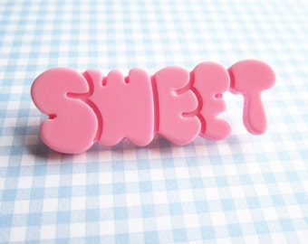SUPER CUTE PROMO : Sweet Word Brooch