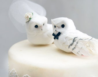 Snowy Owl Wedding Cake Topper in Winter White: Rustic Bride and Groom Love Bird Cake Topper -- LoveNesting Cake Toppers