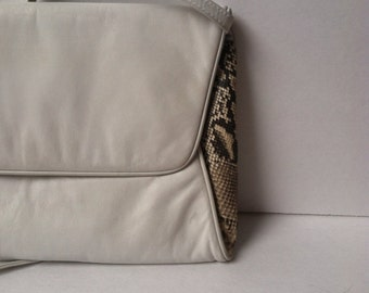 Vintage White Leather Bag / White Leather Clutch / Snake Skin / Mannori / Crossbody