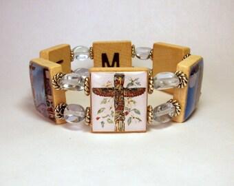 TOTEM POLE Bracelet / ALASKA / Scrabble Jewelry / Unusual Gifts