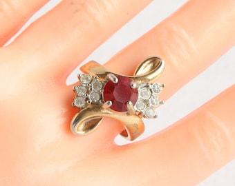 Ruby Red Rhinestone Ring Curving Feminine Costume Jewelry Ring