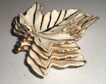 Vintage Ceramic Leaves - White with Gold Trim - White Ceramic Leaves - Leaf Decor - Stacking Leaves - Hand Painted Leaves - Small Leaves
