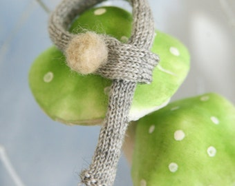 jiajiadoll-hand knitting-grey pompom Scarf fits Momoko Blythe Misaki Pullip Lati yellow YoSD