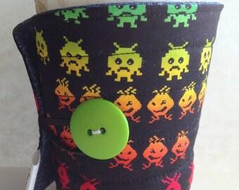 Coffee cup sleeve, coffee cozy Alien Invaders arcade game