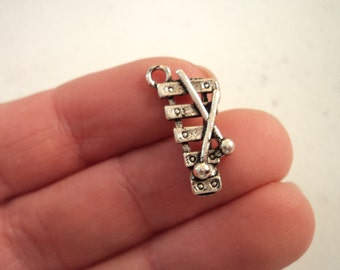Xylophone Charms - set of 8 - #X118