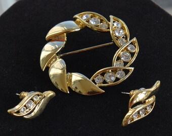 Pretty Vintage Gold tone, Rhinestone Brooch, Pierced Earring Set, Demi Parure
