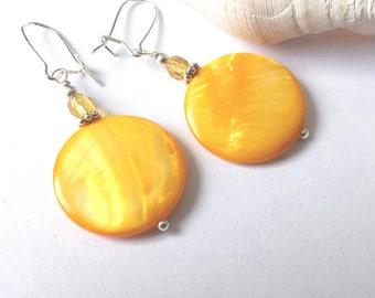 Yellow earrings, mother of pearl shell earrings, summer jewelry, colorful earrings, yellow jewelry, shell jewelry, bright earrings