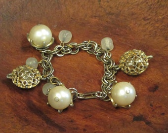 Funky Pearl and Bead Bracelet  Vintage 1950