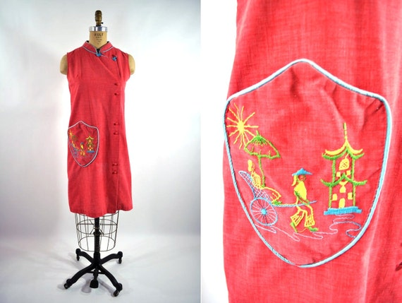 1960s dress 60s vintage red Japanese embroidered pocked shift dress S/M