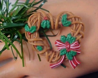 Christmas HEART WREATH Celluloid ~ Holly & Ribbons Brooch