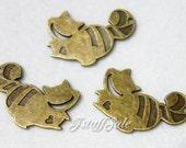 6 pcs - Alice in Wonderland Cheshire Cat charms (Antique Bronze)