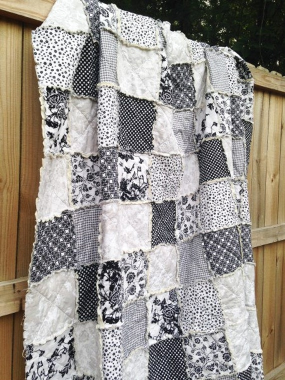 King size quilt rag date night black white by for Black white and gray quilt patterns