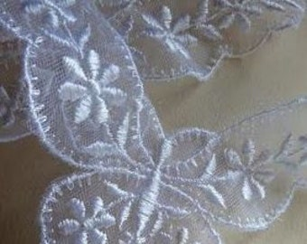 2 White Butterflies Embroidered Mesh Lace Appliques for Bridal, Costume Design  WA 643 Y