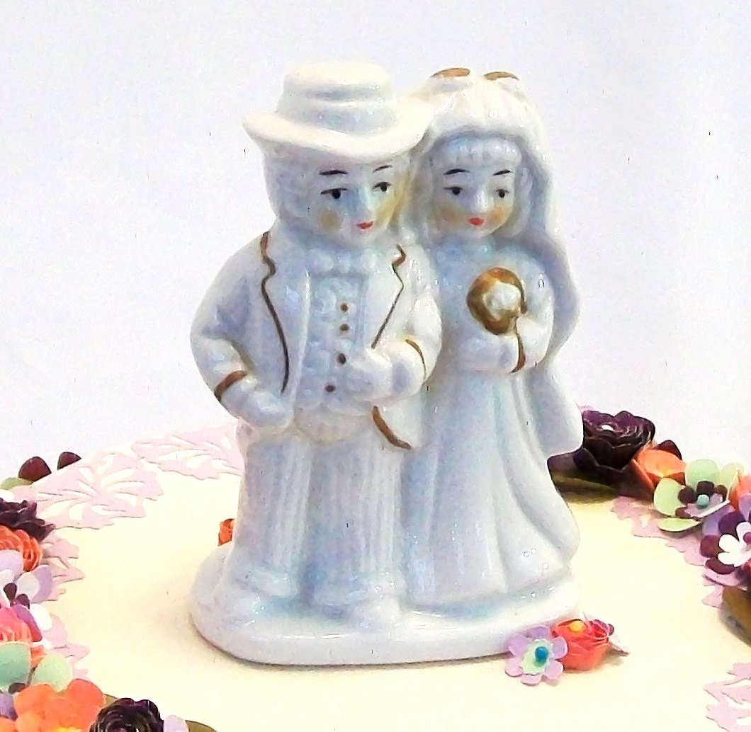 white ceramic wedding cake toppers vintage wedding cake topper all white gloss ceramic by 27237