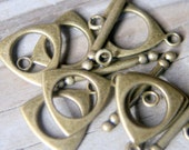 6 Toggle clasps antiqued brass
