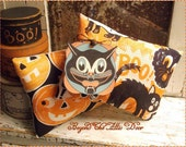 Retro Halloween Pillows Pumpkins Black Cats Tag Set of Two