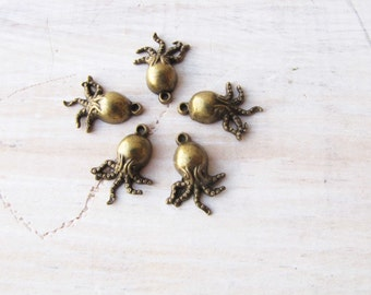 Octopus Charms Vintage Brass 5 Charms Necklace Bracelet Jewelry Supply #173