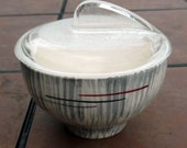 California USA Pottery Bowl with Clear Glass Lid