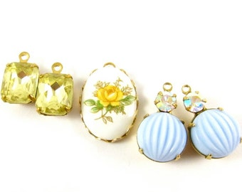 Vintage Cabochon Pendant and Earrings Charms Dangles - Light Blue & Yellow - 5 Pieces Set - KS02 .