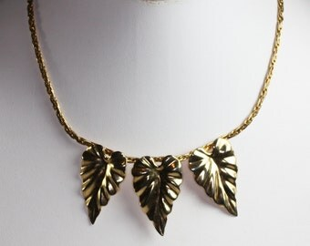Gold Tone Three Leaf Necklace Vintage