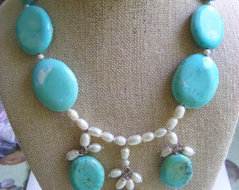 Bright Turquoise and Freshwater Pearls Drop Bib Necklace