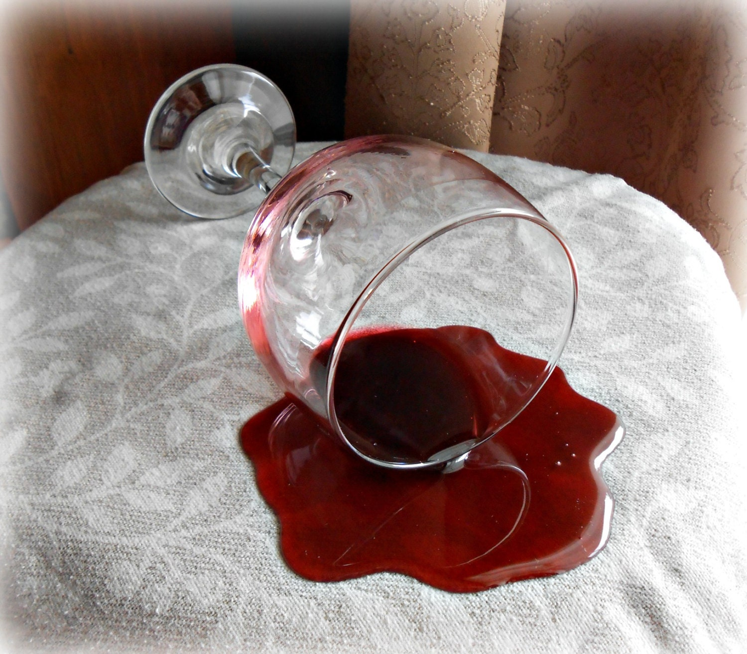 how to make fake spilled wine glass