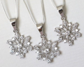 Snowflake Necklace, Winter Wedding Necklace, Bridesmaid Necklace, Gift for Her, Gift for Daughter, Christmas Gift, Christmas Necklace