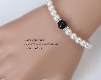Personalized Bridesmaid Gift, Swarovski White and Mystic Black Pearl Bracelet, Bridesmaid Bracelet, Bridesmaid Jewelry, Black and White