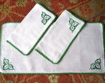 EMBROIDERED table RUNNER Linen Hand Made Deep Green work CROCHETED Lace Trim