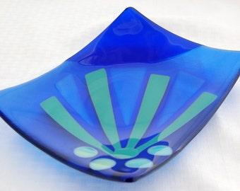 Blue abstract sun sushi platter