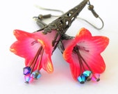 Dangle Lucite Trumpet Flower Earrings - Hand dyed  Pink and red-orange -  Brass Filigree Cone