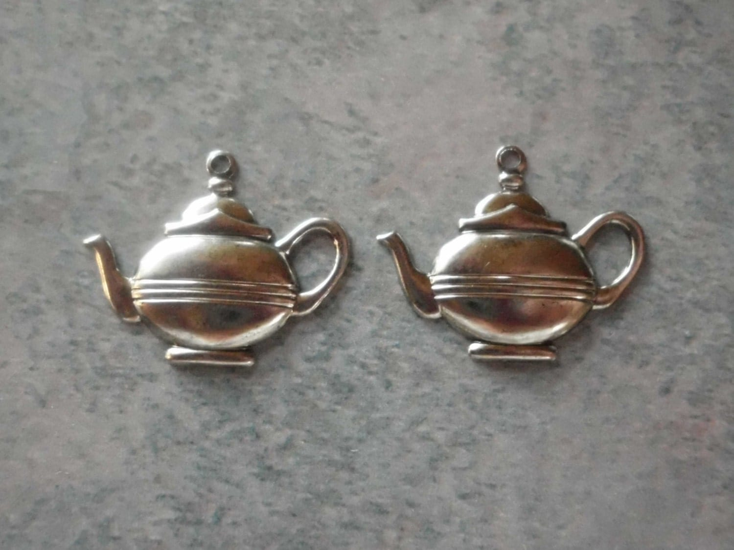teapot charm silver plated in vintage