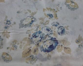 Durham Revival by Lecien Blue Bouquet Blue Roses on Cream 30821-70