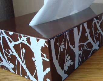Tissue box cover retro brown with branches.
