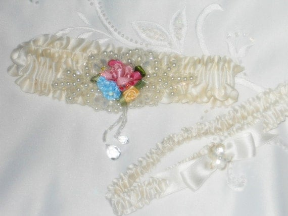 Ivory SILK garter set in Premium 100% real Silk ribbon in pale Ivory, embellished with a pearl beaded applique.