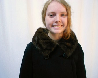 Womens Vintage 1950s Black Wool   Coat With Brown  Mink  Fur Collar  Small