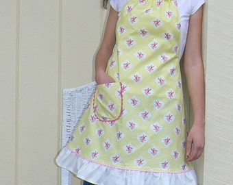 Ladies full apron..with ruffles ..drawstring neck tie....Ready to ship..
