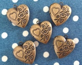 8 pcs, Antique Brass Heart Locket, 15x15mm, NICKEL FREE (HL12)