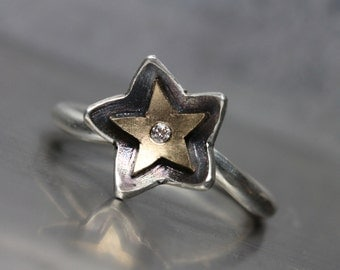 Small Diamond Star Shaped Flower Gold Silver Ring Oxidized Romantic Stellar Statement Ring Design White Yellow Black Night Sky - Sternblume