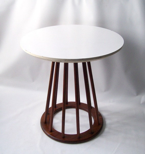 1950s American Mid Century Modern Small Round Top: Vintage Danish Modern Table Mid Century Drexel Side Occasional
